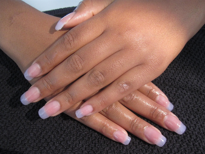 faux-ongle-gel-naturel